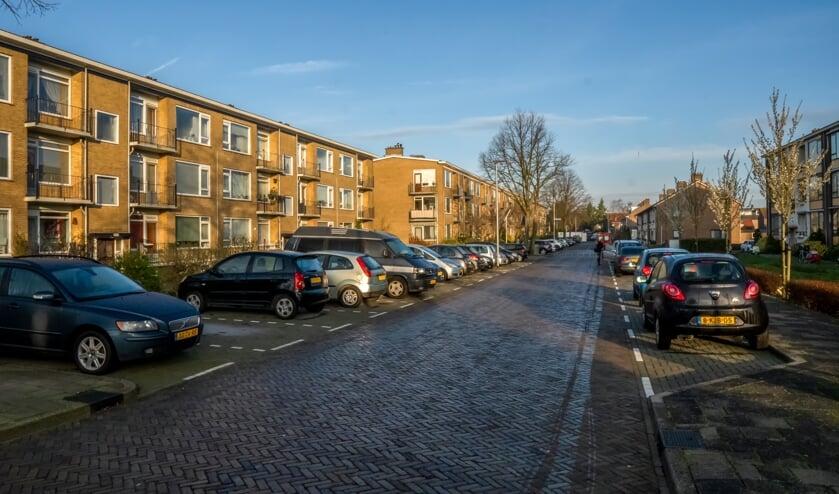 Betaald parkeren in Leiden kan extra parkeeroverlast geven in de Splinterlaan.   Foto: J.P. Kranenburg