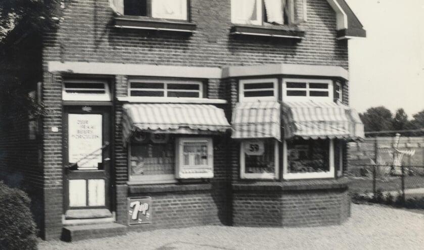 Drie generaties Mosseveld aan de Teylingerlaan.   Foto: pr.