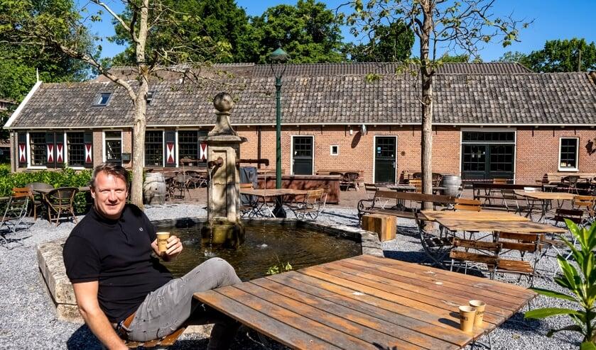 Bob Meijer op het vernieuwde en corona-aangepaste terras van Brasserie Park.