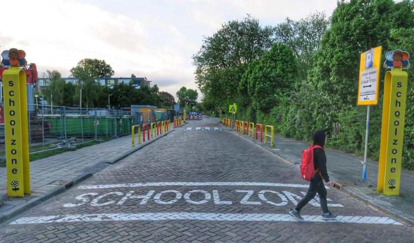 Eindelijk ging maandag het slot van de basisschooldeuren af.   Foto: Tony Whelan