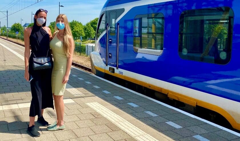 In het openbaar vervoer moeten mondkapjes worden gedragen om besmetting met corona te voorkomen.