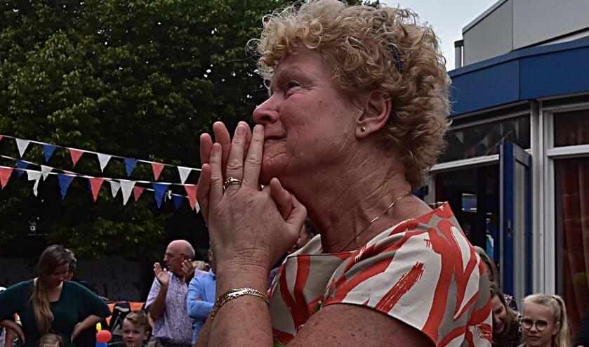 Blondi van der Woude was duidelijk geëmotioneerd bij het onthaal. | Foto: Piet van Kampen