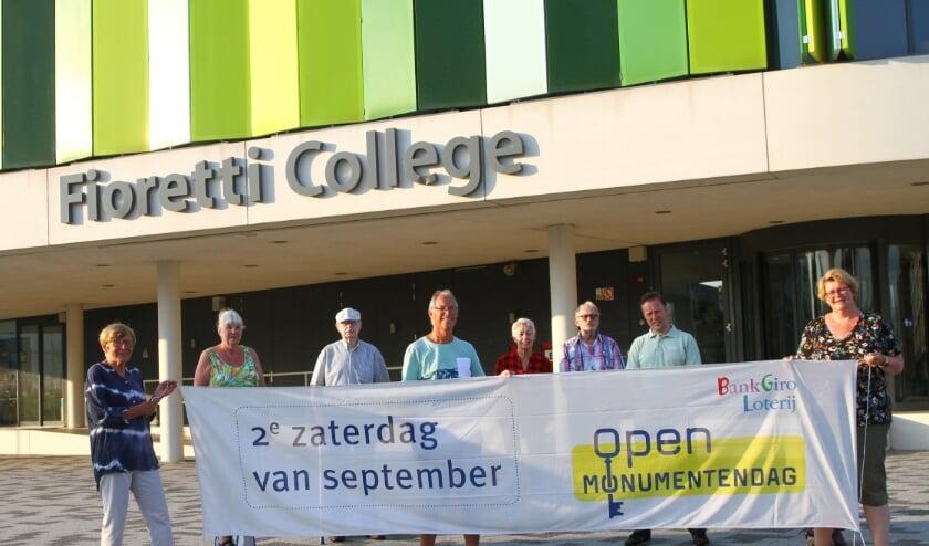 Dit jaar ook twee thema-deelnemers: de bieb en het Fioretti College. | Foto: Arie in 't Veld