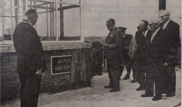 De opening van de Koningin Julianabrug in 1964 Foto: Katwijksche Post © uitgeverij Verhagen