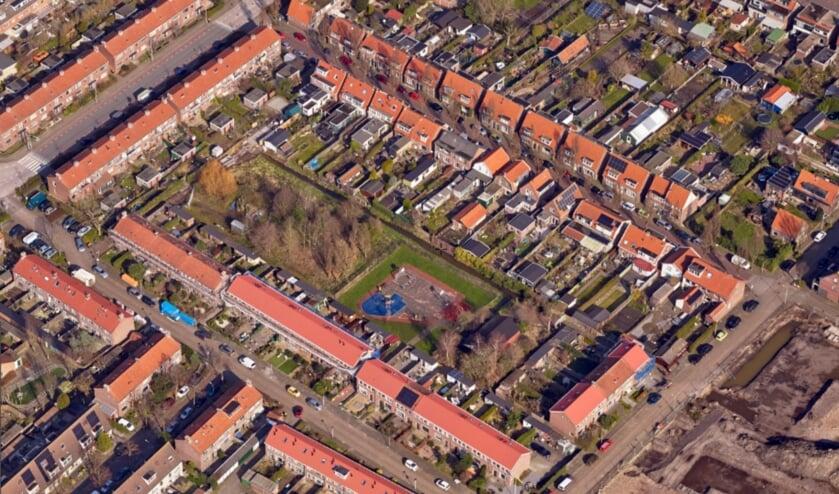 <p>Op het binnenterrein in de Bloemenbuurt zouden tiny houses kunnen verrijzen.</p>