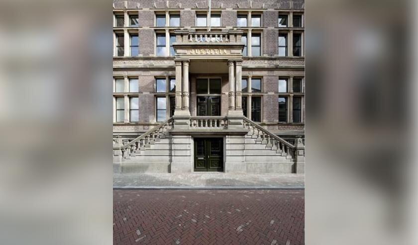 <p>Het gerechtsgebouw in Haarlem was 100 jaar geleden het toneel van een tragedie.</p>