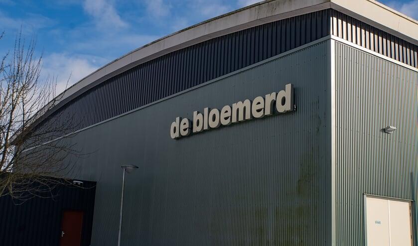 Sporthal De Bloemerd in het gelijknamige Leiderdorpse sport- en recreatiepark.