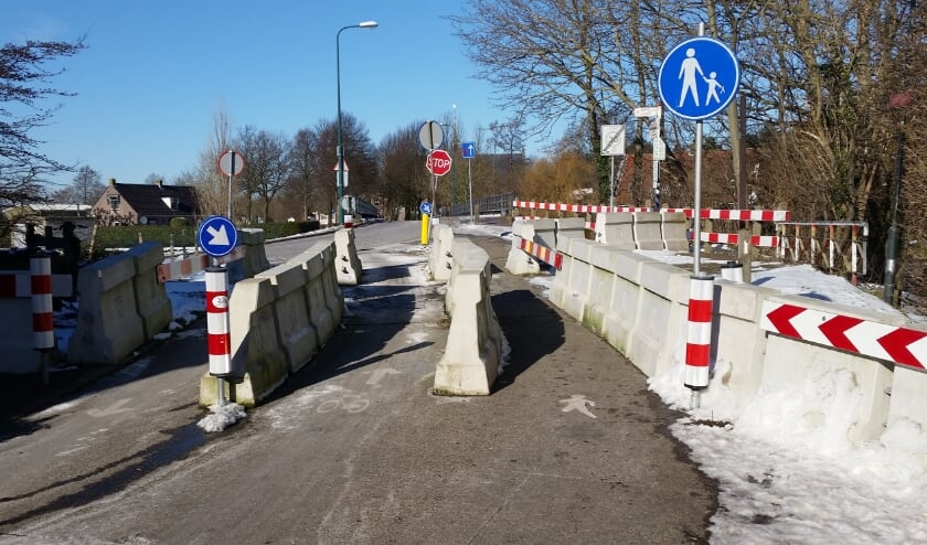 <p>De komende drie jaar zal de Duikerbrug nog afgesloten zijn.   Foto Cor de Jongh</p>