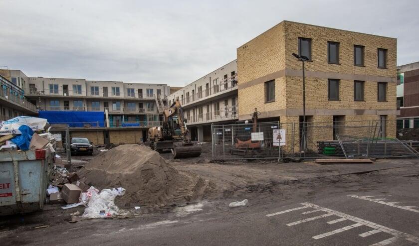 <p>Het appartementencomplex De Oeverpolder wordt dit jaar opgeleverd. | Foto: Adrie van Duijvenvoorde</p>