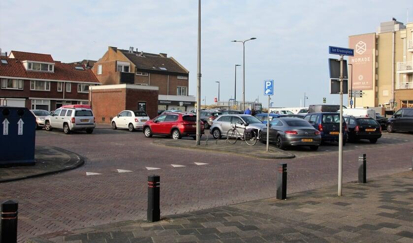 <p>Een appartementenhotel op deze plek op het Jan Kroonsplein stuit op bezwaar van omwonenden. Foto: WS</p>