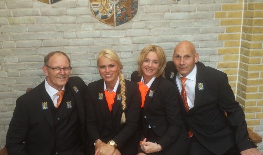 <p>De bodes op Koningsdag 2015 met vlnr: Ren&eacute; van Houten, Anne Ketelaar, Francien Koppert en Louis vd Berg.| Foto: pr</p>