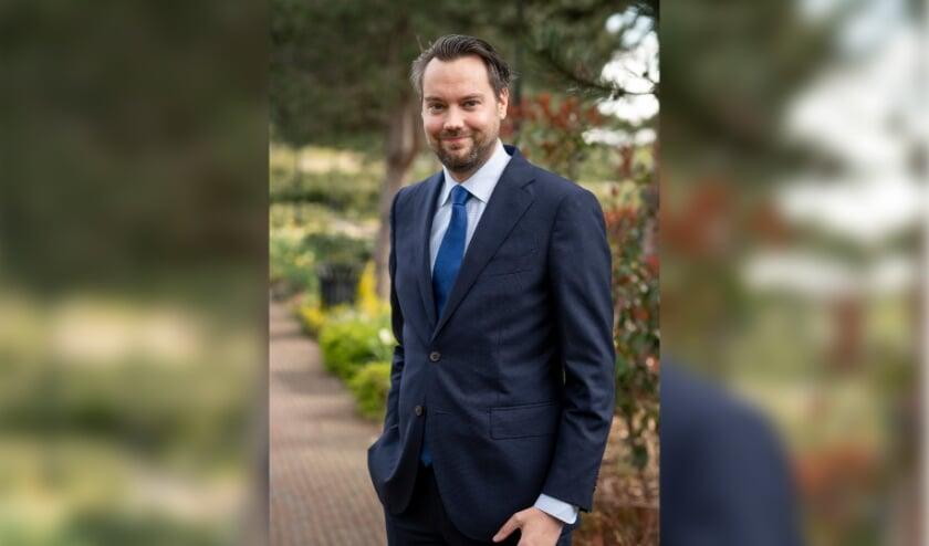<p>De nieuwe D66-wethouder Jeffrey van Haaster gaat al wandelend kennismaken met inwoners en organisaties in Lisse.</p>