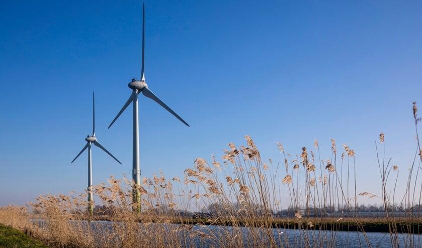 <p>De Watergeuzen, de windmolens langs de A4-bij de afslag Leiden-Zoeterwoude. | Foto: Wijnand Slut</p>
