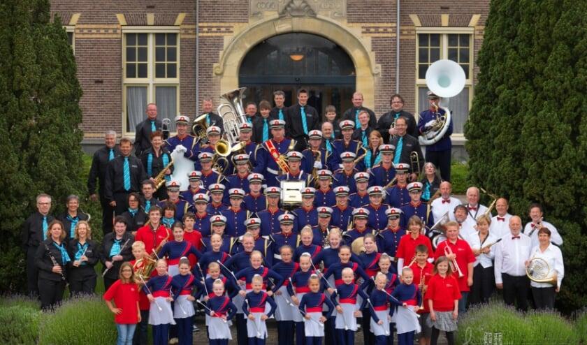 <p>De Harmonie, Marchingband, Vrije Tijds Orkest, Leerlingenorkest en Majorettes. | Foto: Steven Bemelman.</p>