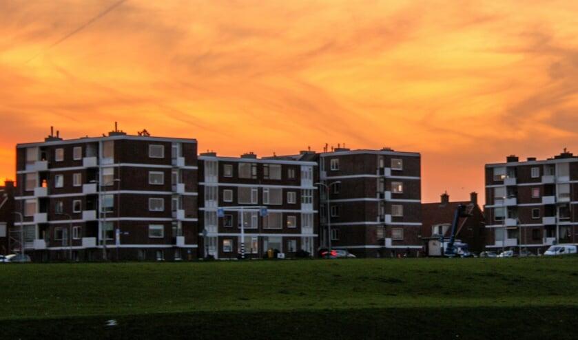 Volgens het CDA zijn ook appartementen in de Rijnmondflats gekocht voor toeristische verhuur.   Foto: CDA
