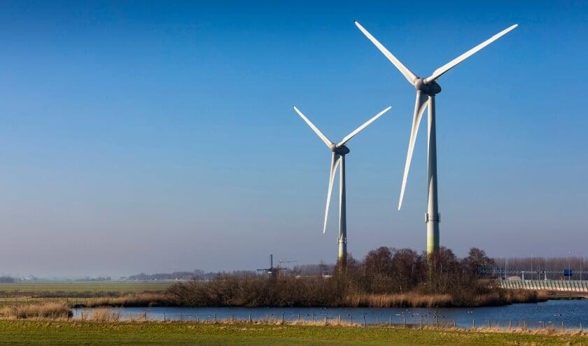 De twee windmolens bij Zoeterwoude.