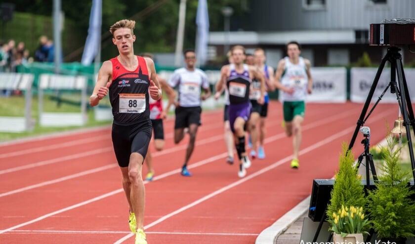 <p>Mike Foppen tijdens de editie van 2018. Hij liep toen de 800 meter. Dit jaar zal hij de 1500 meter lopen en misschien wel een poging doen om onder de limiet voor de Olympische spelen te komen.</p>