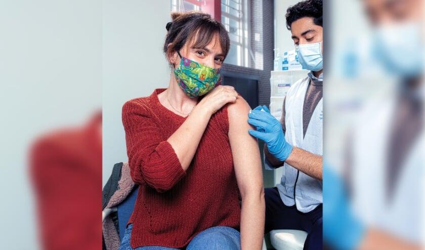 <p>De bibliotheek biedt hulp voor mensen die zich willen laten vaccineren, maar moeite hebben om (online) een afspraak te maken. | Foto: PR</p>