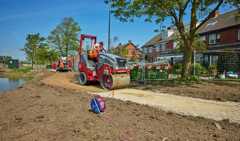 Werkzaamheden aan het nieuwe wandelpad. | Foto: Vincent Basler